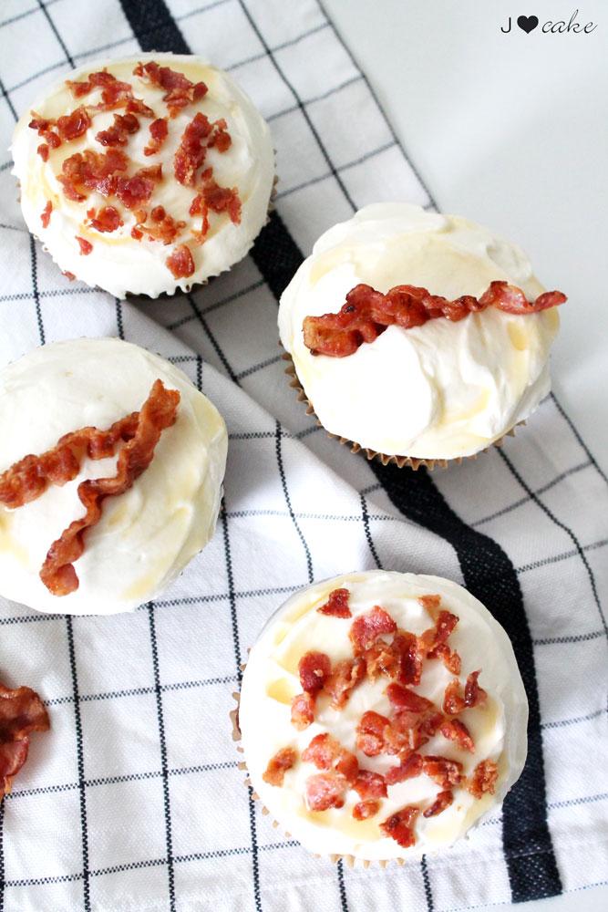 002_Bacon-Cupcake