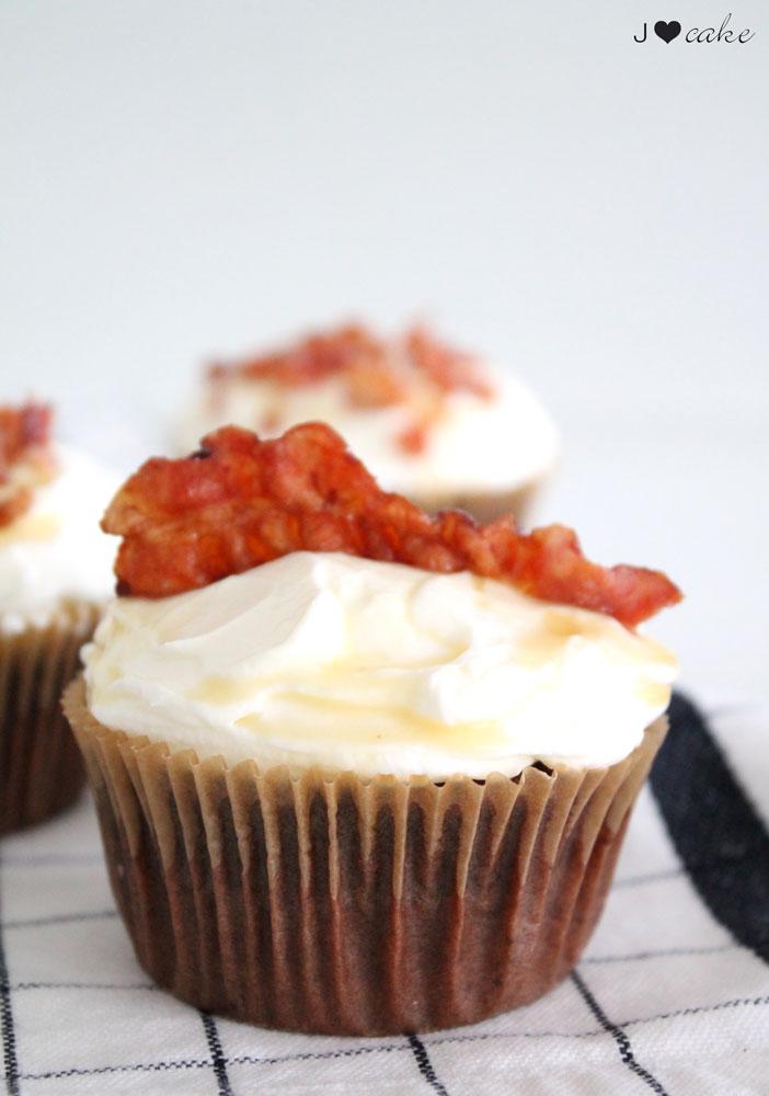005_Bacon-Cupcake